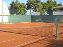 Campo tennis all\'aperto